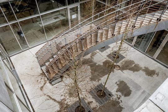 Udvendig trappeopgang på Brønshøj Skole