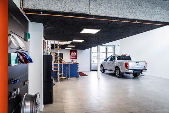 Byggeri af bilhuse og udstillingshaller