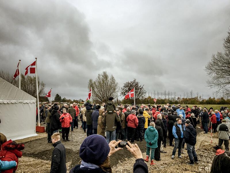 Stort fremmøde til første spadestik i Rødvig