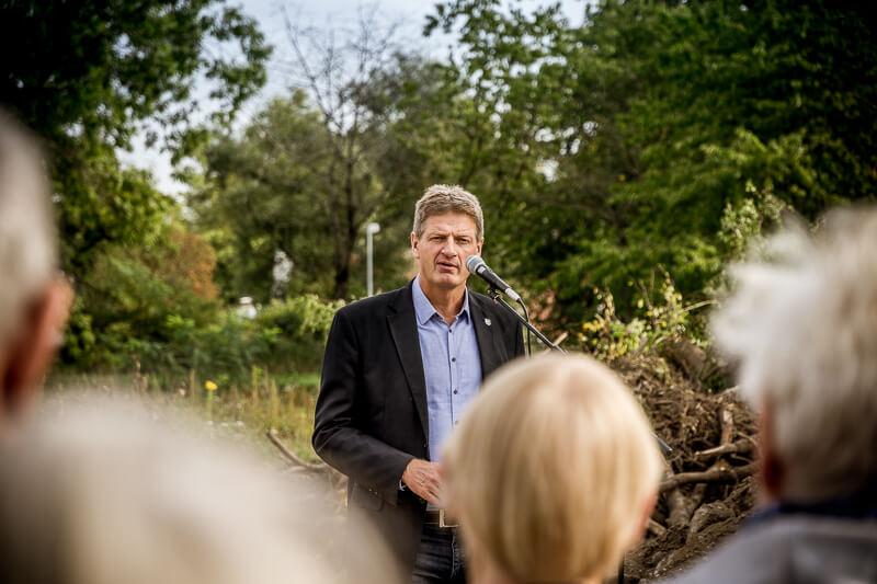 Borgmester Jesper Würtzen ved første spadestik til Lystoftegård