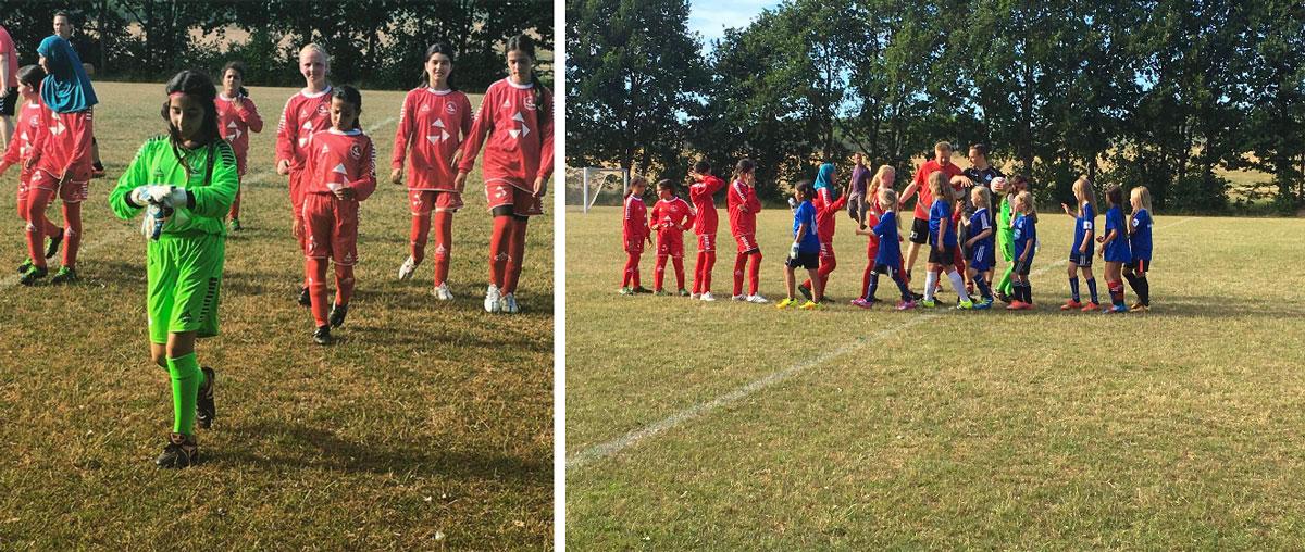 Fodboldpigerne i kamp