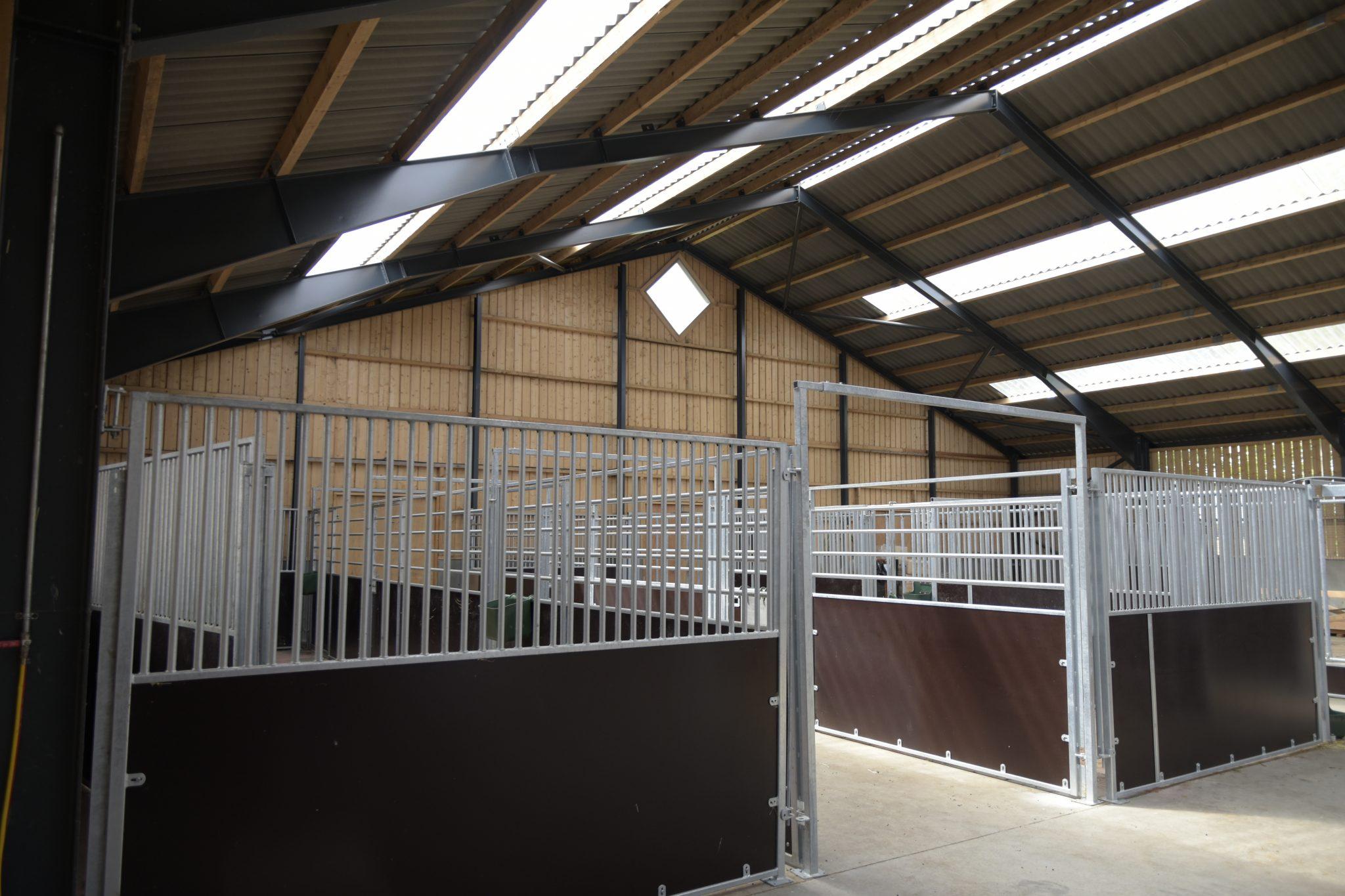 Ovenlys og ventilation til stalden